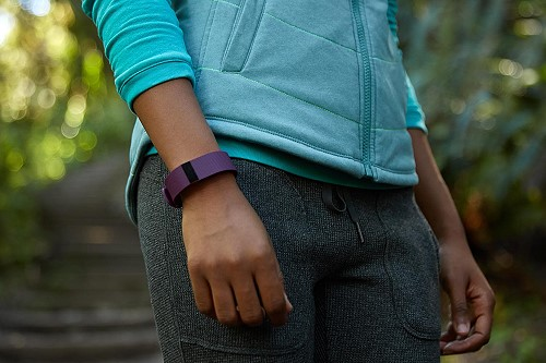 fitbitchargehrdevice